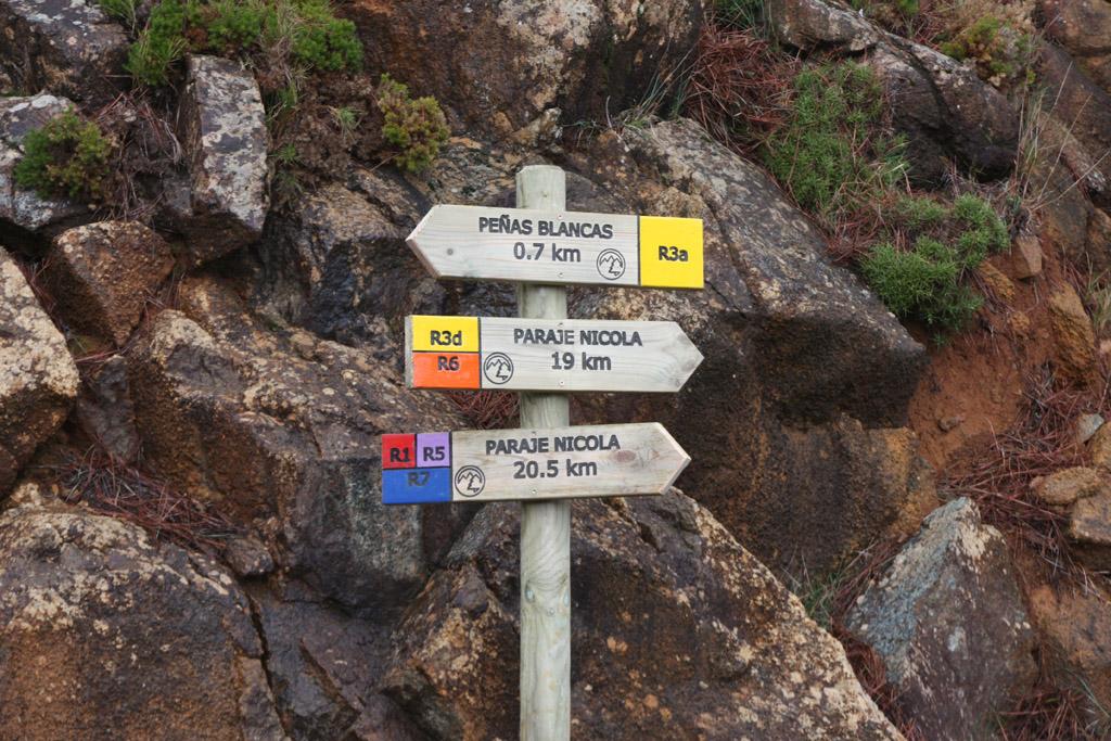 Seguir las indicaciones de la ruta R6